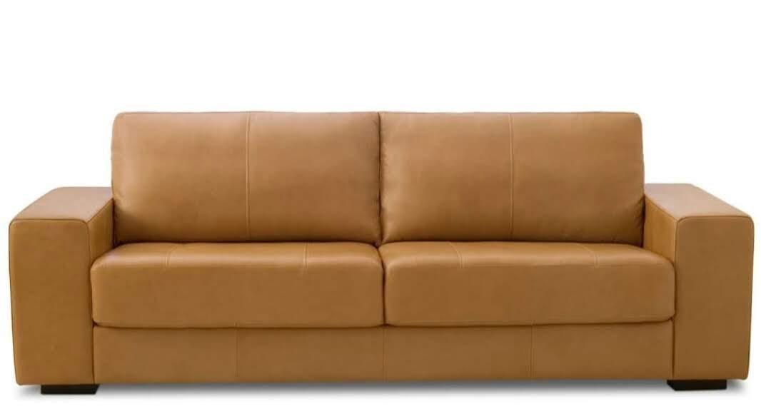 Sofá Charming de 2,50 m com três lugares em couro
